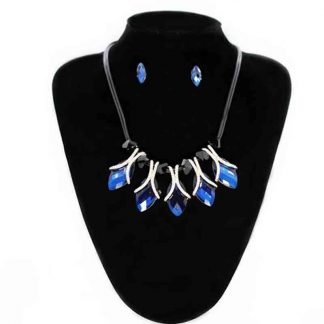 Long Crystal Pendant Jewellery Set for Girl and Women